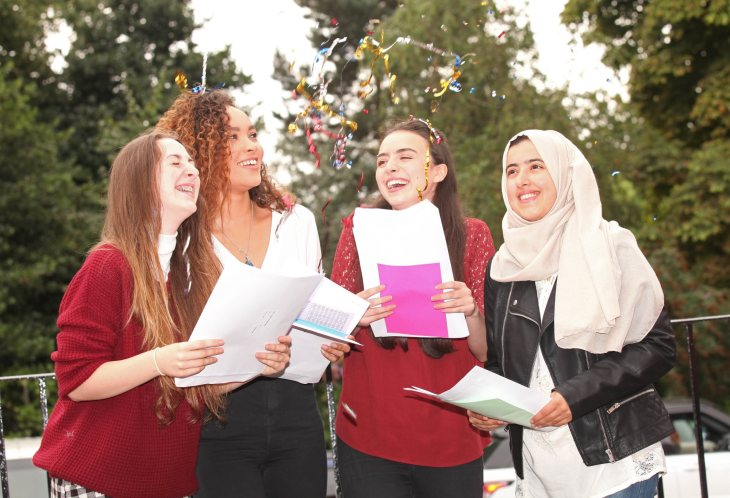 l-r-blue-bates-cambridge-lucy-brown-sonia-bennett-and-mujgana-hussainy-nottingham-girlse28099-high-school-2