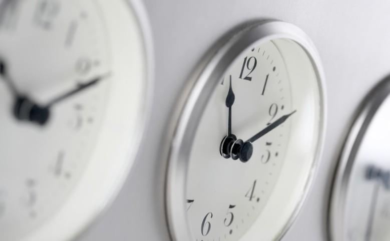 clocks-825x510